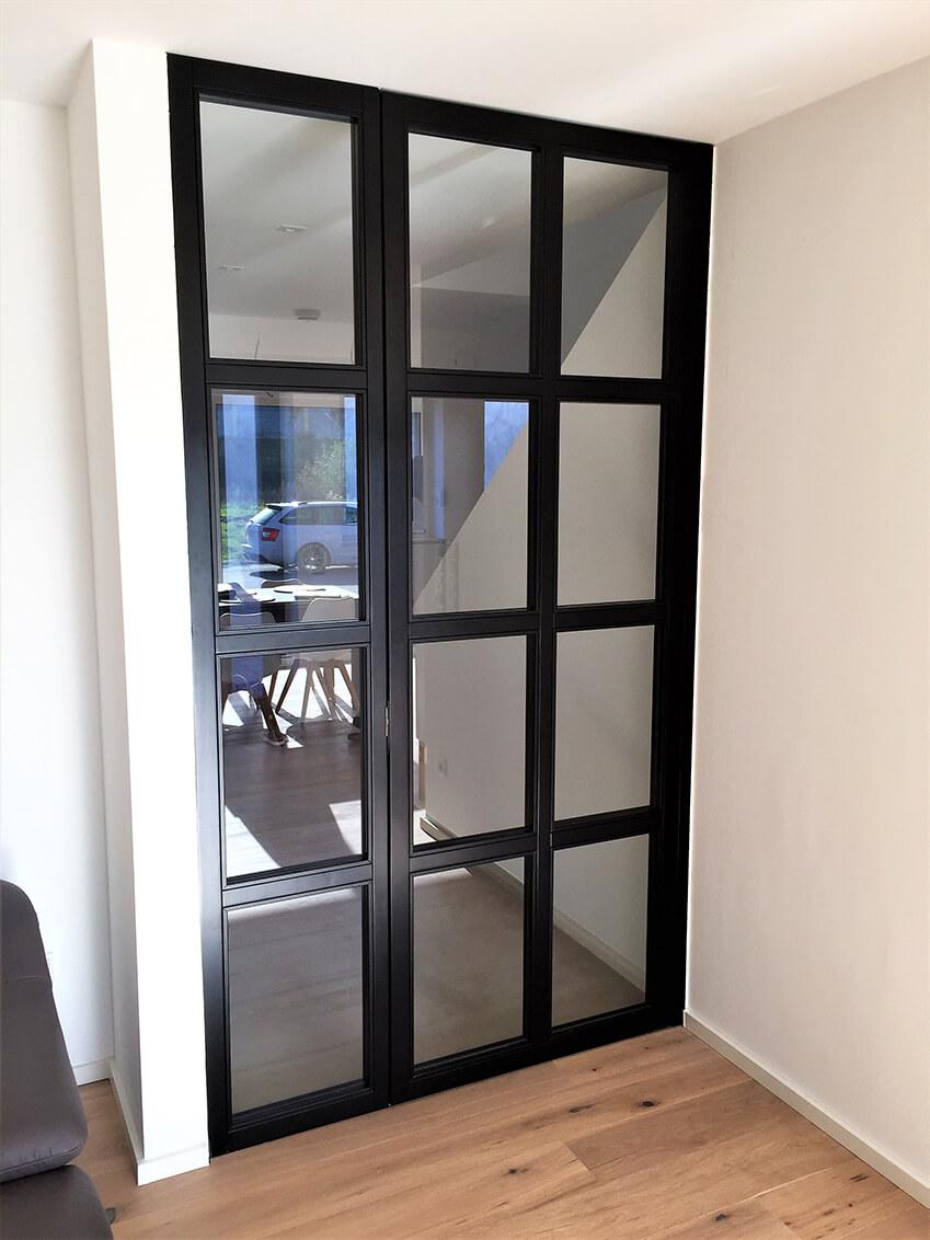 Zimmertür im Industrial Look / schwarz lackiert